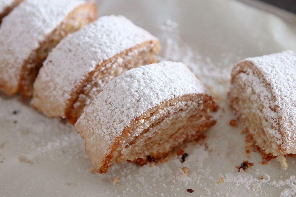 עוגיות מגולגלות של סבתא בלה במילוי ריבה וקוקוס | צילום: נטלי לוין