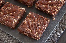 חטיפי אנרגיה שוקולדיים | צילום: נטלי לוין
