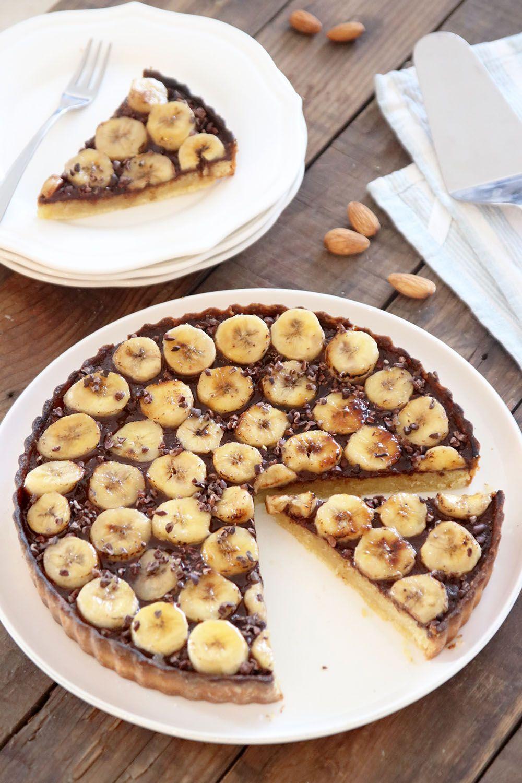 פאי בננות ושקדים עם קרם שוקולד | צילום: נטלי לוין