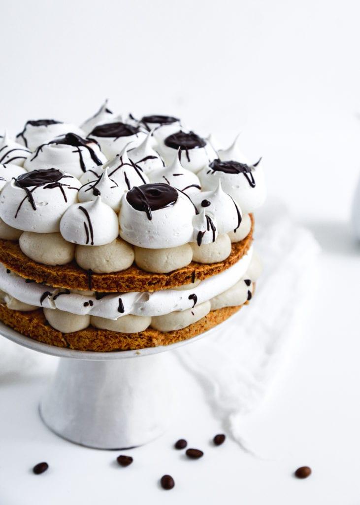 עוגת קצף וקצפת של מיס פטל   צילום: שרית נובק