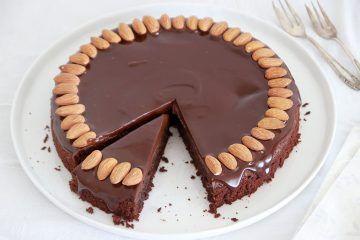 עוגת שוקולד ושקדים | צילום: נטלי לוין