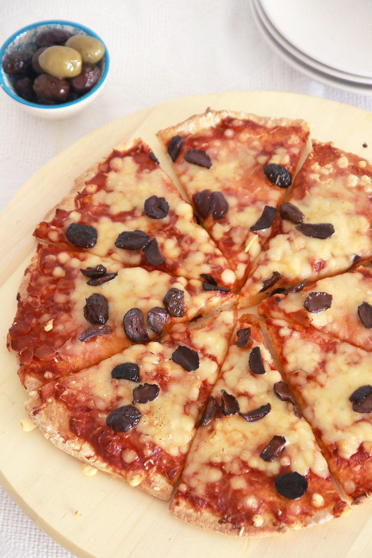 פיצה ביתית מ-2 מצרכים   צילום: נטלי לוין
