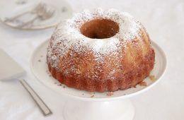 עוגת דבש מקמח כוסמין | צילום: נטלי לוין