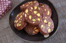 עוגיות שוקולד ופיסטוק | צילום: נטלי לוין